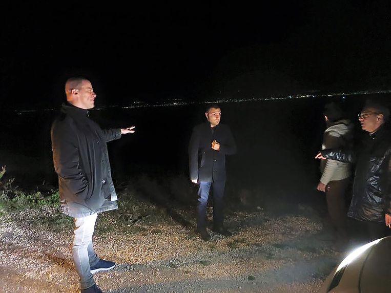 Foto die Diederik Samsom begin december op zijn Facebook-pagina plaatste van zijn werkbezoek aan de Turkse grensplaats Izmir. Samsom op pad met de Turkse kustwacht. 'Die nacht zijn er twintig boten vertrokken. Wij hebben er niet één kunnen betrappen.' Beeld