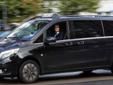 Taxibranche West-Brabant staat in de fik: halve omzet, tientallen ontslagen en verkochte voertuigen