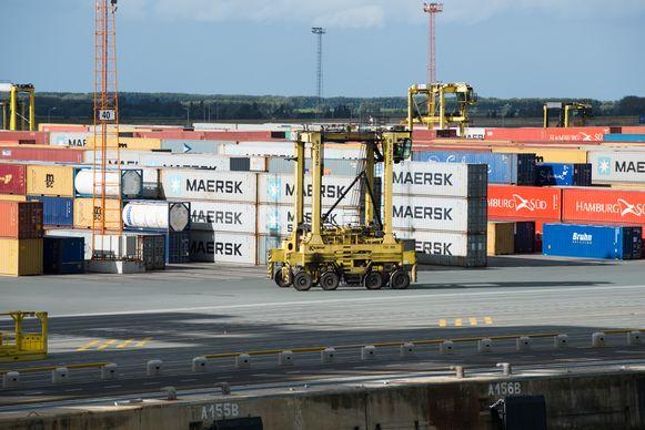 Dokwerkers kunnen vlot 50.000 tot 100.000 euro verdienen met het uithalen van een lading cocaïne uit een container.