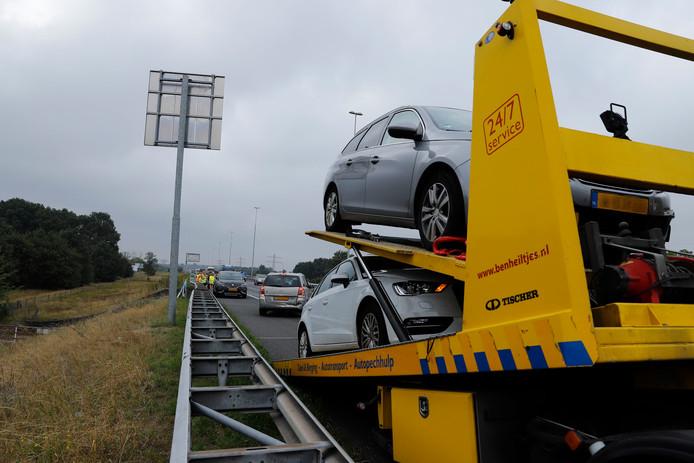 Bij het ongeval op de A73 bij Beers waren vier auto's betrokken.