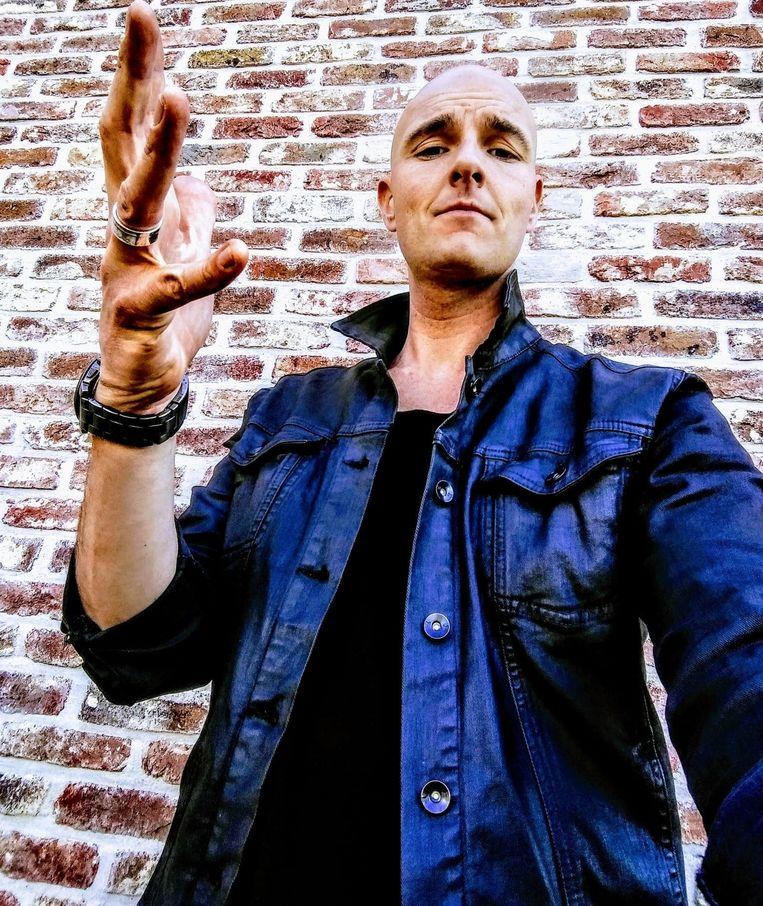 Singer-songwriter Murphy Munro of Nick Martinet
