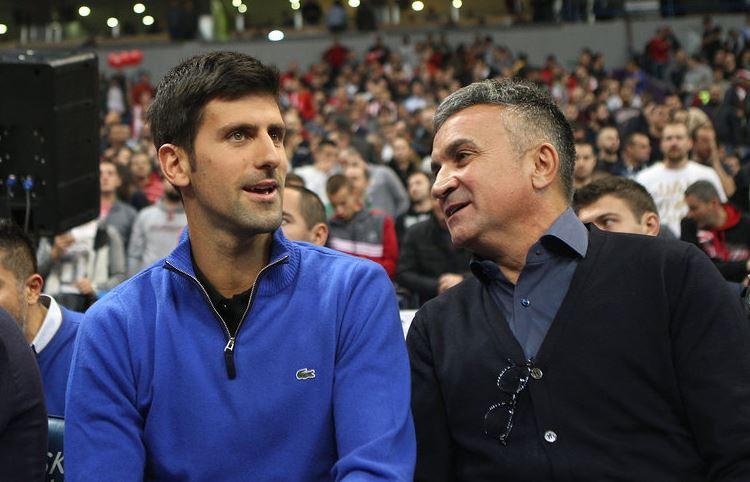 Novak et son père Srdjan Djokovic.