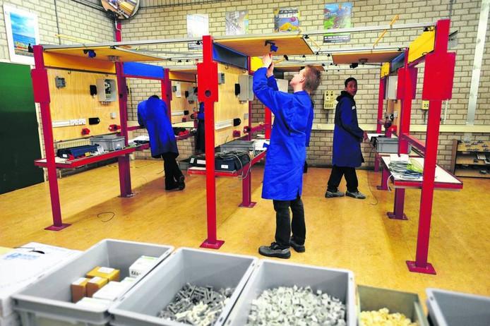 De Vakschool in Tilburg moet opgaan in het nieuwe Vakcollege. (archieffoto)