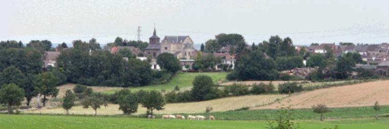 Een blik over je schouder levert in het Zuid-Limburgse heuvelland steeds een ander plaatje op. (Trouw) Beeld
