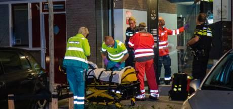 Arnhemmer zwaargewond bij steekpartij in woning Rotterdam; verdachte is plaatsgenoot