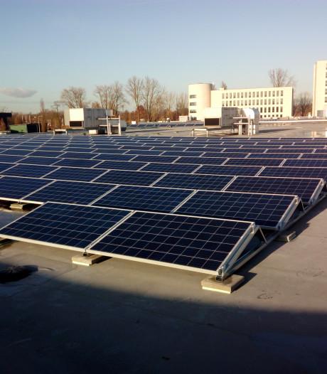 Verdubbeling aantal zonnepanelen  op Sallcon-dak in Deventer