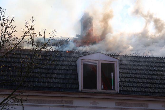 Uitslaande brand in sloopwoning in Gilze.