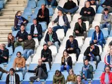 PEC-supporters voor het eerst weer in het stadion: 'Ingetogen juichen? Ik beloof niks'