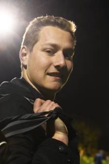 Aron van Mourik grijpt zijn kans onder lat bij Buren