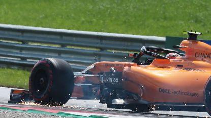 """Onze F1-watcher ziet hoe Vandoorne met vonkende voorvleugel de pit in rijdt na contact met 'uitgerekend' Gasly: """"Doodjammer"""""""