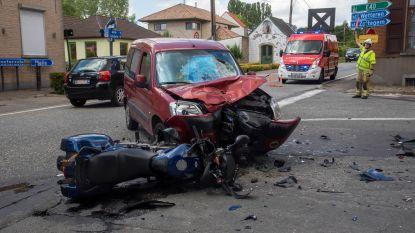 Motorrijder (68) in levensgevaar na aanrijding op kruispunt