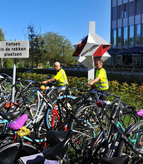 Stewards Paul en Sjef willen studenten bekeren op terrein TU Eindhoven