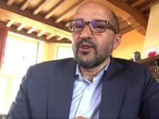 Marcouch in videoboodschap aan schoolkinderen: 'Ineens worden je papa of mama ook je juf of meester'