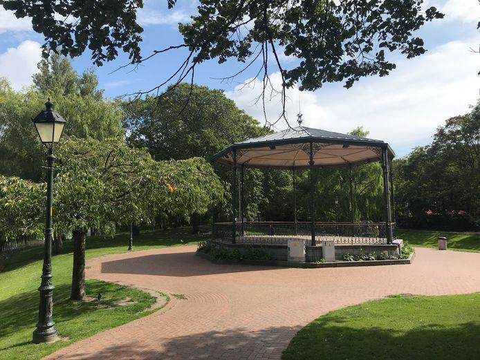 De feiten speelden zich af in het Leopoldpark in Oostende.