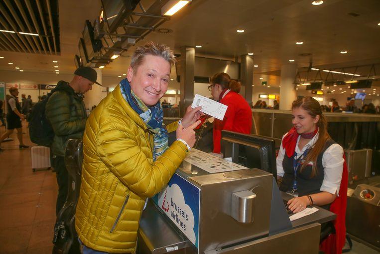 Bart Kaëll (58): één brok levende Vlaamse showbizzgeschiedenis. Bekend van hits als 'De Marie Louise', 'Duizend terrassen in Rome', 'Zeil je voor het eerst' en 'Mooi weer vandaag'. Fan van het Franse chanson.