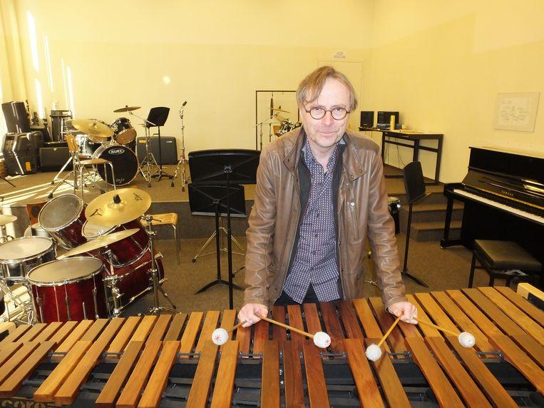 Frank Nuyts aan zijn marimba.