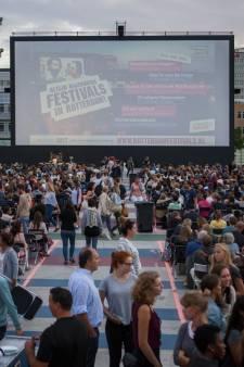 Oscarwinnaars kijken bij Pleinbioscoop Rotterdam