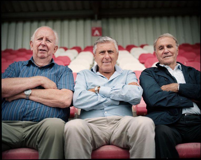 Henk Groot, Sjaak Swart en Bennie Muller op De Toekomst, het trainingscomplex van Ajax Beeld Marc Driessen