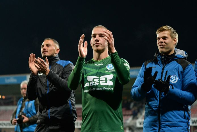 De Graafschap-verdediger Jasper van Heertum (midden) maakte vorig seizoen de winnende goal tegen Helmond Sport.