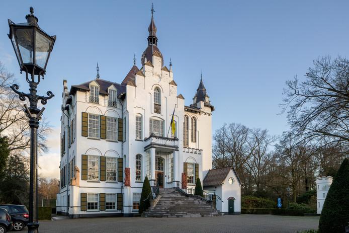 Nederland,  Vught, het oude raadhuis