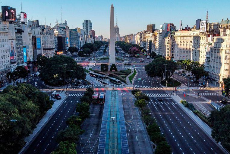Door de lockdown is het leven in de Argentijnse hoofdstad Buenos Aires en de rest van Argentinië vrijwel volledig stil komen te liggen.