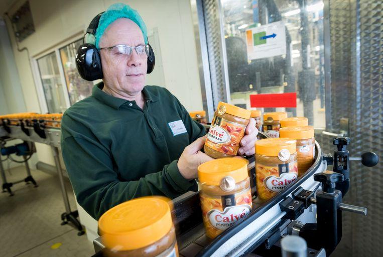 Unilever, dat onder meer pindakaas produceert, sloeg een overnamebod van Kraft Heinz af.  Beeld ANP XTRA