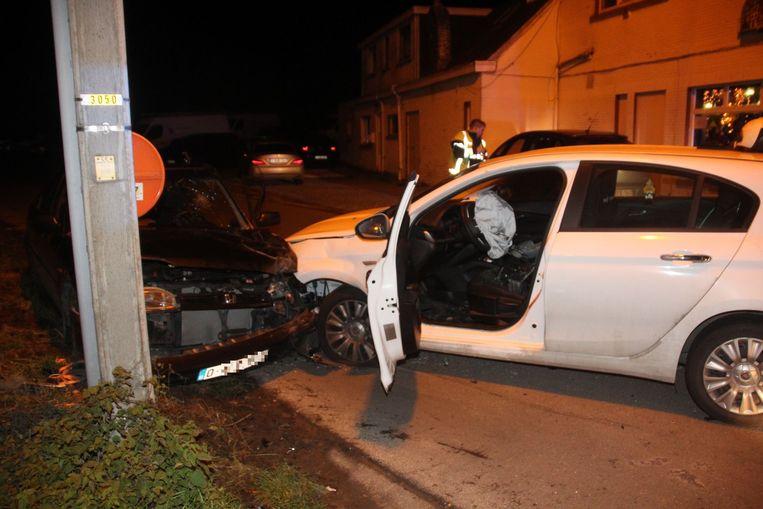 De inzittenden van de Fiat bleven dankzij hun airbags ongedeerd.