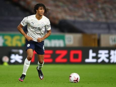 Aké debuteert met zege bij Manchester City