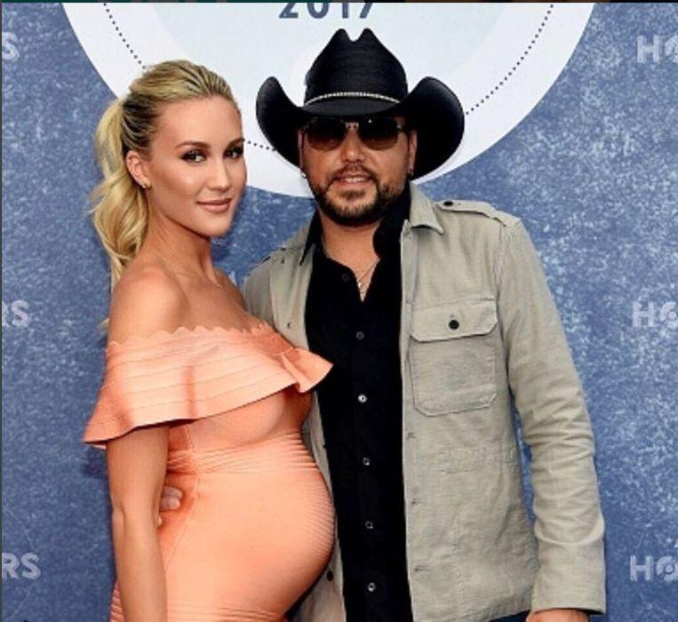 Jason Aldean en zijn toen nog zwangere vrouw Brittany Kerr.