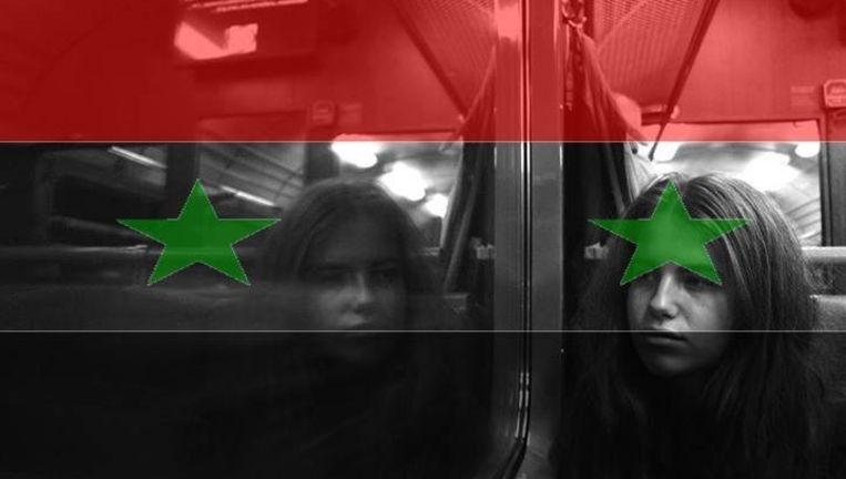 De profielfoto van Hanna Nijenhuis op Facebook krijgt een cover van de Syrische vlag. In een chatsessie met haar vader legt ze uit waarom ze geen rood-wit-blauwfoto wil zoals zoveel anderen.