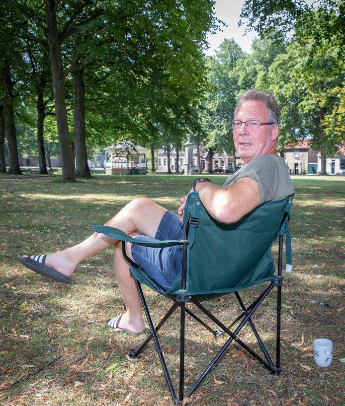Hans Oome zit graag onder de bomen.