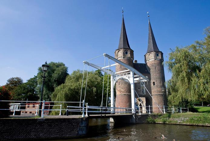 Foto ter illustratie. Bekend monument is de Oostpoort met ophaalbruggetje.