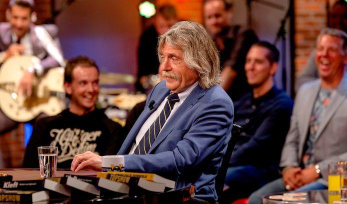 Johan Derksen, die Muziek voor Volwassenen voor Rijnmond maakt, vraagt zich op de radio af 'waarom leidinggevenden altijd zulke lange tenen hebben'.