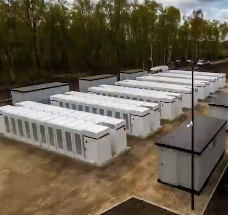 De Tesla-batterijen moeten het elektriciteitsnet van Europa stabiliseren.