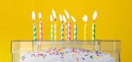 Zo blijft je verjaardagstaart beschermd tegen bacteriën en spuug