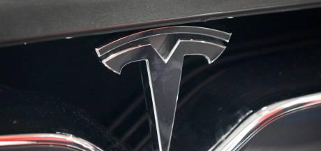 Tesla opent grootste oplaadstation van Nederland bij Van der Valk langs de A2 in Zaltbommel