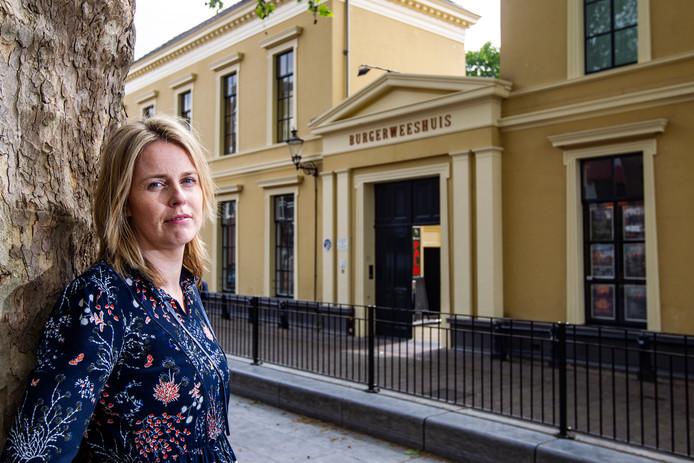 Directeur Kelly Hammer is bang dat van politiek uitstel afstel komt als het gaat om de broodnodige verbouwing van poppodium Burgerweeshuis.