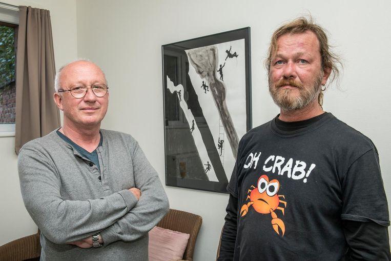 Jan Joye en Sam Sercu in het inloophuis. Zij engageren zich als vrijwilliger.