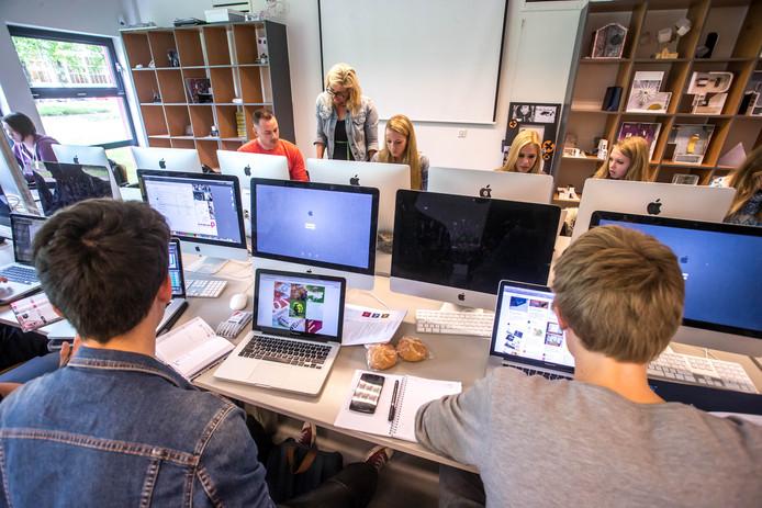 Onderwijs op het Cibap Vakschool voor verbeelding. Foto Frans Paalman