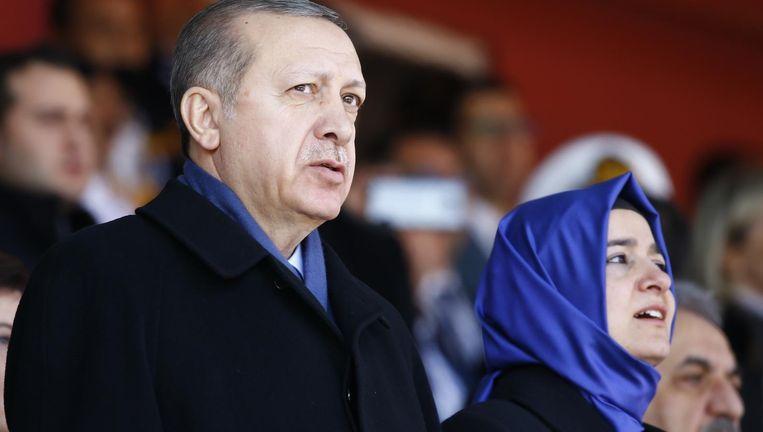 Erdogan met minister Kaya Beeld reuters