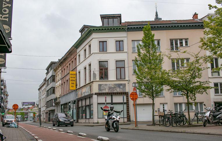 De panden in de Parkstraat en om de hoek in de Sint-Jozefstraat gaan in april tegen de vlakte. Maar dat gebeurt pas als de Ronde van Vlaanderen is gepasseerd.