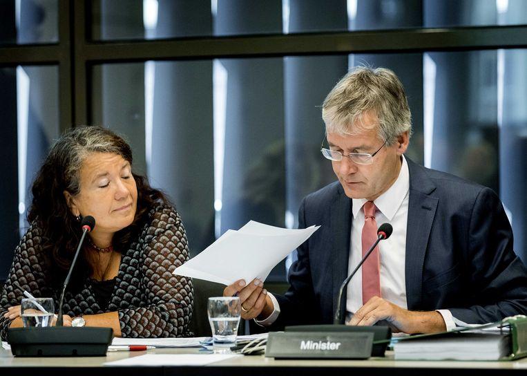Minister Arie Slob tijdens het debat in de Tweede Kamer over het mediabeleid. Beeld ANP