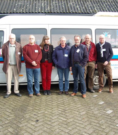 Op-en-Neerijnenbus blijft rijden maar hulp is nog steeds nodig