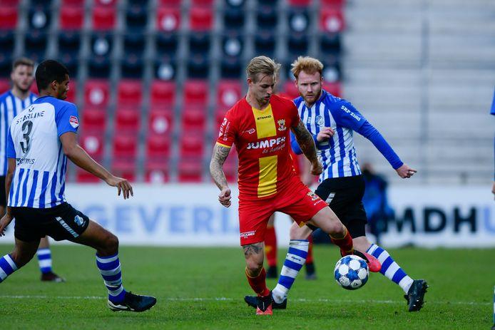 Kevin van Kippersluis - hier in de wedstrijd tegen FC Eindhoven - ontbreekt vrijdag in de selectie van Go Ahead Eagles voor de uitbeurt tegen NEC. Hij kampt met klachten aan de achillespees.