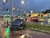 Twee auto's op elkaar in glibberig Bergen op Zoom