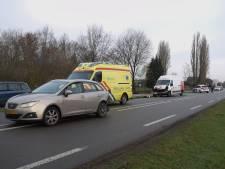 Bestuurder gewond bij ongeluk Toldijk:   busje rijdt achterop