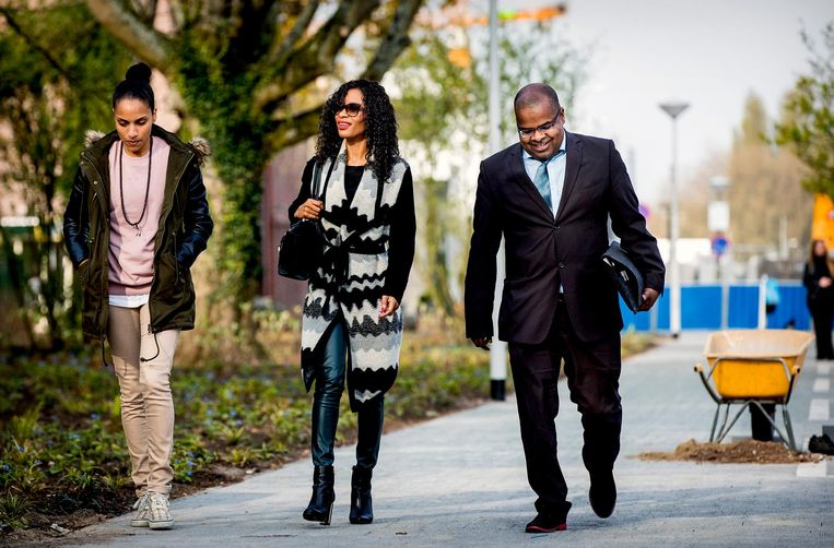 Sylvana Simons en Ian van der Kooye arriveren bij de rechtbank. Beeld anp