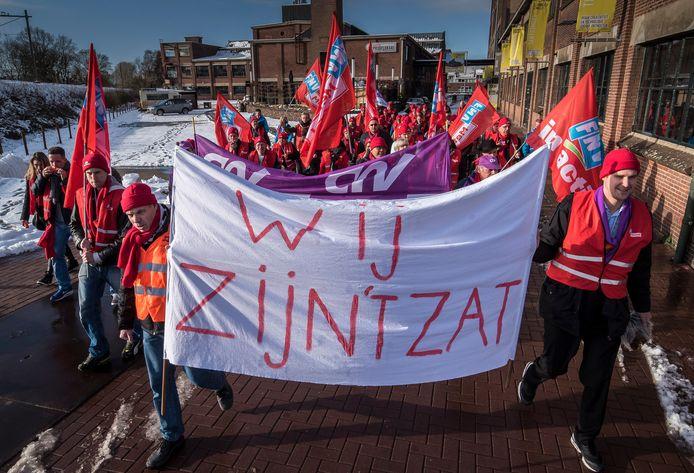 In januari 2017 demonstreerde het personeel van Eaton tegen de sluiting van de plaatwerkerij.