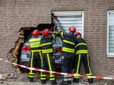 Automobilist rijdt dwars door gevel van kerk: 'Dit had veel erger af kunnen lopen'