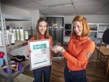 Rossumse zussen scoren met Livin Horse Shop en winnen prijs voor beste webshop